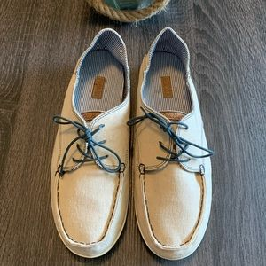 OLUKAI Beige Lace Up Boat Shoes Flats Loafers 10